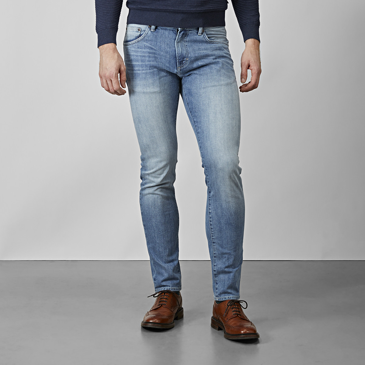 BOWERY LIGHT WASH JEANS