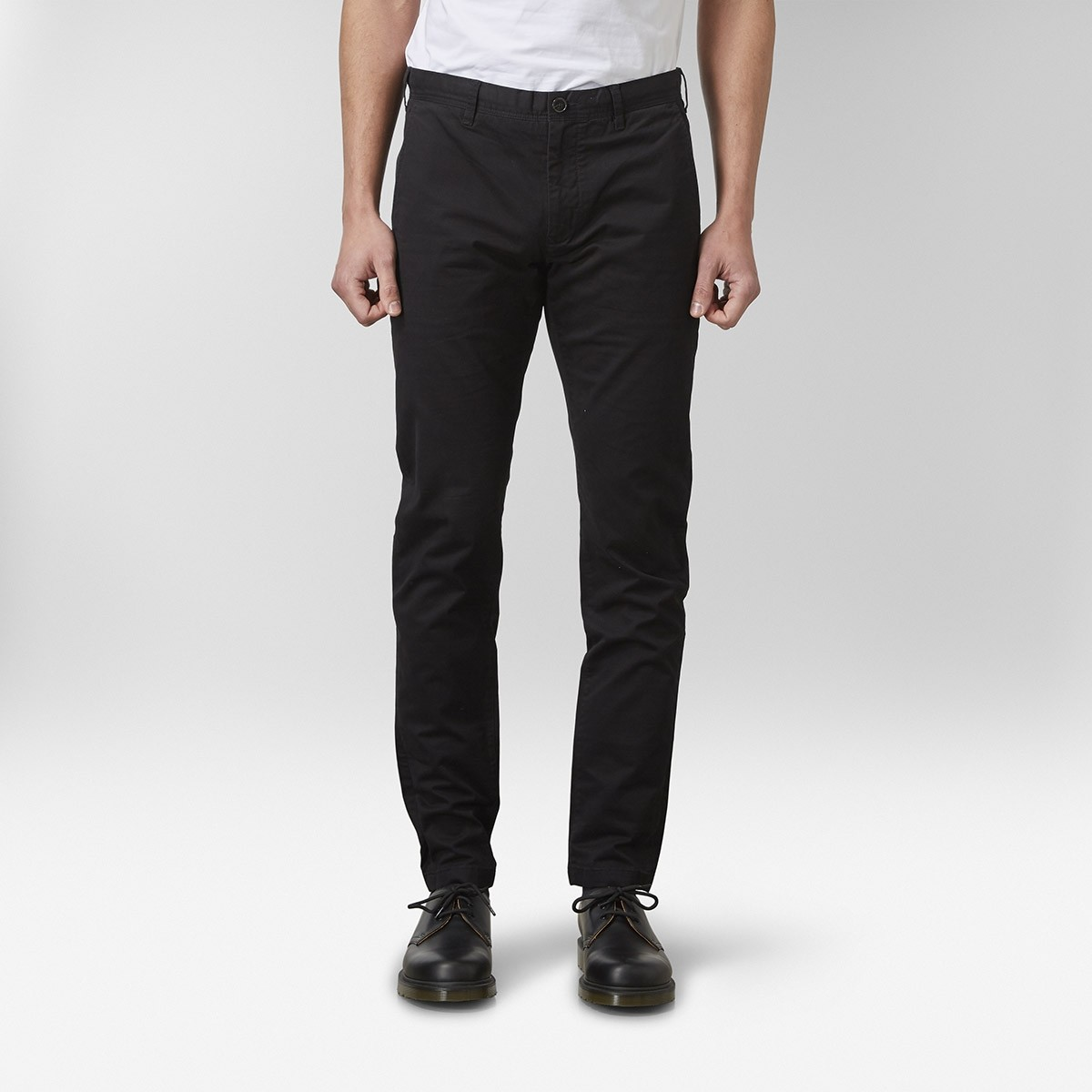 Barton Stretch Chinos Svart | East West | Brothers.se