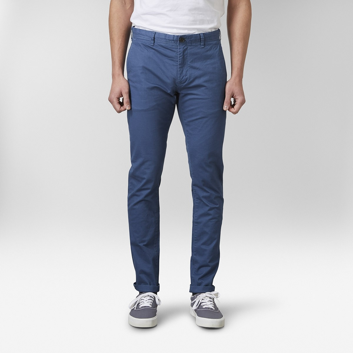 Barton Stretch Chinos Mellanblå   East West   Brothers.se