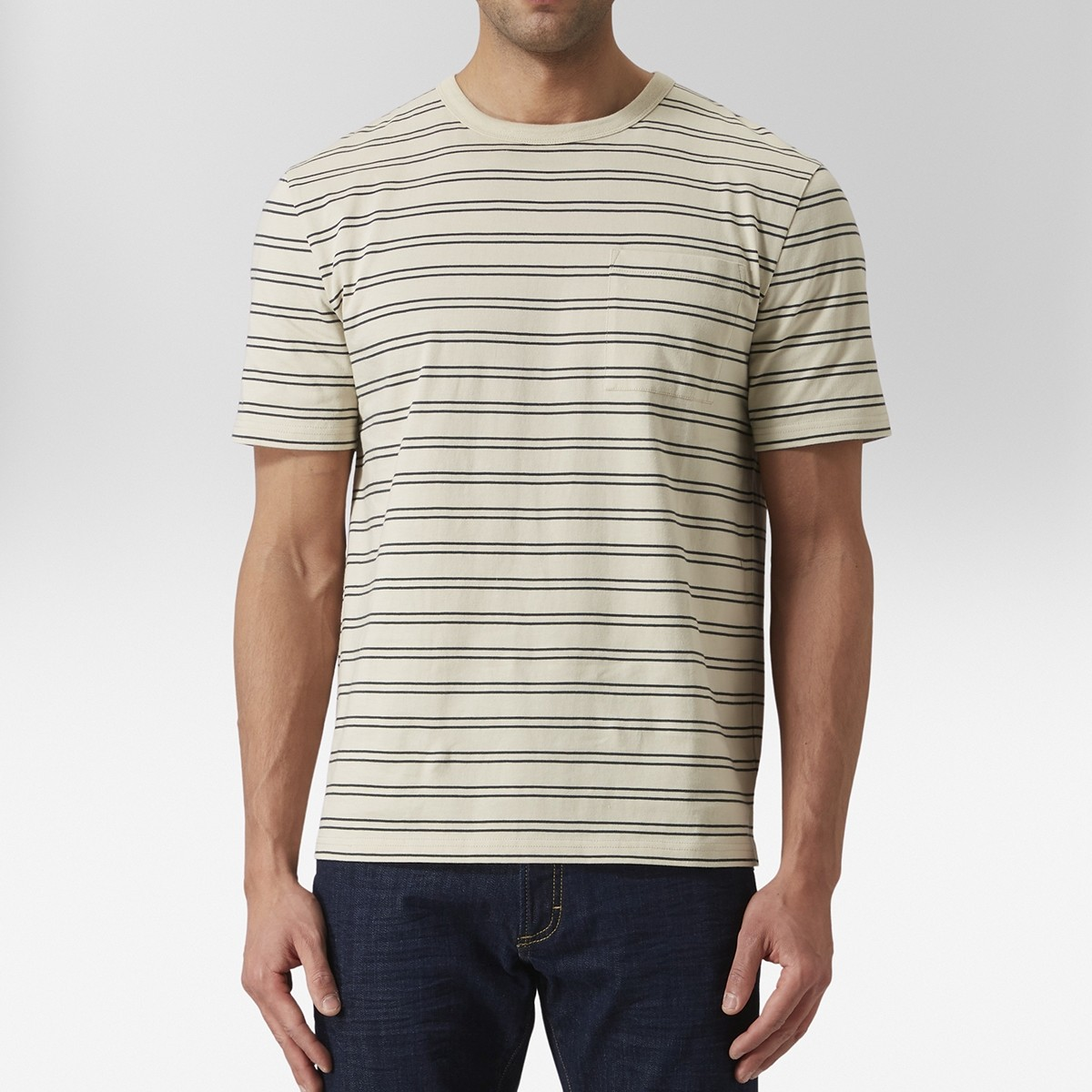 Idris T-shirt Oversize Beige | East West | Brothers.se