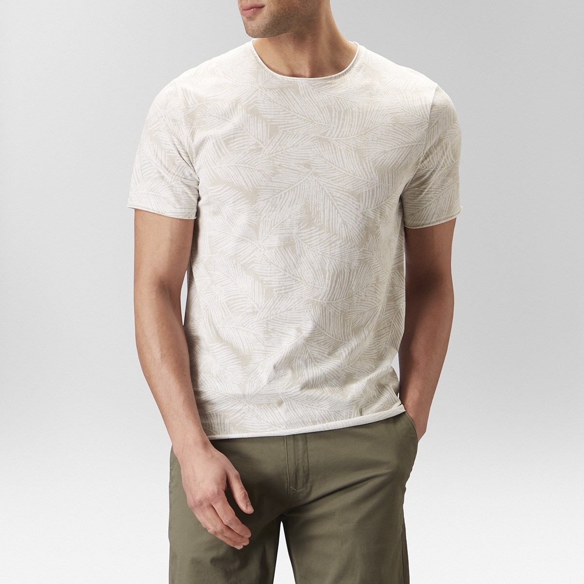Pete Mönstrad T-shirt Beige | East West | Brothers.se