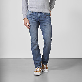 Baxter Regular fit Jeans - Mid wash | East West | Brothers.se
