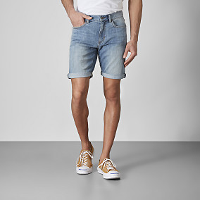 Jeansshorts Bowery Mid Wash   East West   Brothers.se