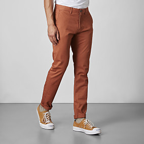 Bowery Stretch Chinos Orange | East West | Brothers.se