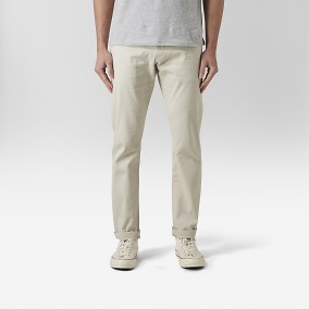 Baxter Dobby Chinos Beige | East West | Brothers.se